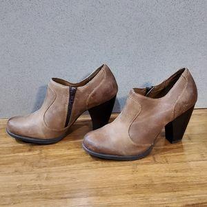 b.o.c leather ankle boots EUC